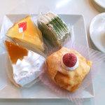 Fujiyaresutoran - プリンショート/抹茶ロール/レモンパイ/なんちゃらの切り株