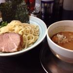 ラーメン 吉田屋 - つけ麺(中)880円