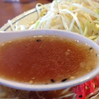 スープはこってり、あっさりの2種類から選択して頂くスタイル!