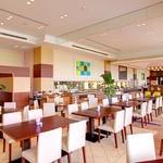 サザンビーチホテル&リゾート沖縄 - オーシャンビューレストラン「レイール」