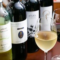 ワインビストロ ピコレ - 気軽に飲めるグラスワイン。オーガニックワインもたくさん。¥440-(税別)~