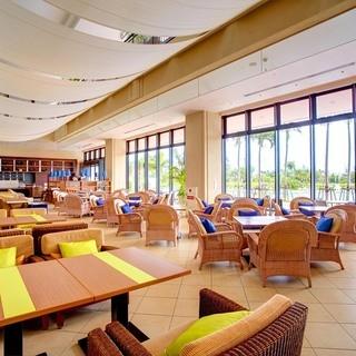 プールサイドレストラン「サザンテラス」