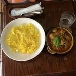 珈琲屋ROW - 魚カレー(イトヨリ)コーヒーつきで1,090円