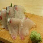 築地ビッグ寿司 - しまあじの刺身