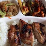 KOREAN EXPRESS - こちらはチキン!やはり炭火で美味いです!焼き加減も絶妙ですー(^^)美味い!まじで!