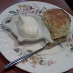ラ・パレット - スコーン+ホイップクリーム