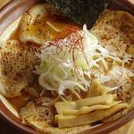 こってりらーめん福たけ  - 北海道焦がし味噌炙りチャーシュー麺