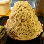味奈登庵 - 富士山もり プルプルして雪崩がおきそうです。当然ですが中まで全て蕎麦です。