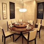 廣東飯店 - 円卓を囲んでの会食