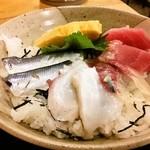 魚八 - 海鮮丼