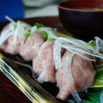 三河屋 - 国産ローストビーフの握り寿司¥410-