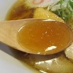 らーめんのくきつ - くきつの醤油・スープ