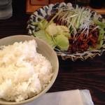 麺飯食堂 ひら匠 - 日替わり 肉の細切り味噌炒め +ライス 1000円