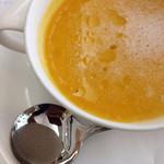 プティ・カザリス - かぼちゃの冷製スープ