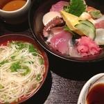 Kuchihacchoukazeyasugihara - ランチ海鮮丼。