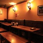 テリーズレストラン - こだわりのアンティーク家具