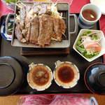 三木セブンハンドレット倶楽部 レストラン - 牛リブロースステーキ1840円(税別)