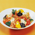 ピッツェリア - ごろごろ野菜の菜園風トマトソース