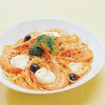 ピッツェリア - 天使のエビとモッツァレラチーズのトマトクリーム