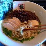Menyashukateppuu - 極味(きわみ)は博多の細麺です