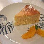 キャスロン レストラン - フレッシュオレンジのレアチーズケーキ