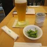 手打ち蕎麦 二村 - 生ビール・お通しの「枝豆」(2014/6)