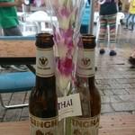 28683719 - シンハービールと蘭の花