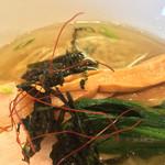 鶏骨スープ 青桐 - メンマ、青菜など
