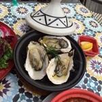 paris食堂EPICES~cocote&Tagin~ - ブランド牡蠣の瞬間燻製