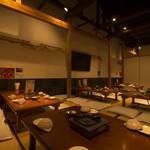 もつ鍋 一慶 - 大人数での宴会にも最適な広いお座敷席です。
