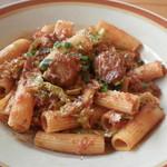 チャッピーノ - もち豚肩ロース肉のシチリア唐辛子煮込み リガトーニ