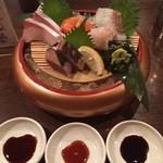 魚や大将 - 3種類の醤油で味わう,本日のお刺身盛り〜(≧∇≦)