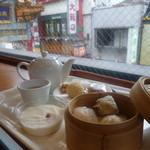28702862 - 中華街を眺めながらの「聘珍茶寮」さんの「飲茶セット (900円)