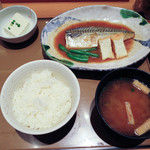 やよい軒 - 鯖味噌煮定食590円