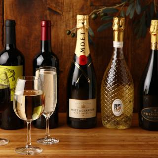 グラス10種!ボトル60種のワインの豊富な品揃えがこだわり!