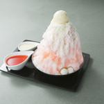 カフェ三菓亭 - 料理写真:いちごみるく