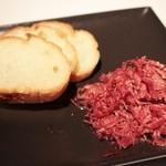 BAR CAPERDONICH  - こだわりの牛ブレンドのコンビーフは必食。