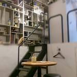 グリージョ - 半地下のスタンディング+テーブル席