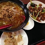紅四季 - 鶏の味噌炒めランチ(スープを台湾味噌ラーメンに)