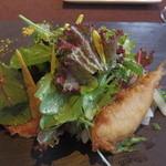 28717502 - 旬野菜と稚鮎のベニエのサラダ