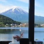 富士河口湖温泉郷 湖楽 おんやど 富士吟景 - 食事処からも富士山!