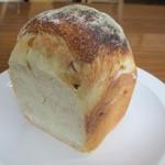 きりん屋 - いちじくの食パン