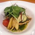 玄海鮨 - 洋皿 イサキの香草焼 バジルソース掛け いや~ビックリするほど旨いです!