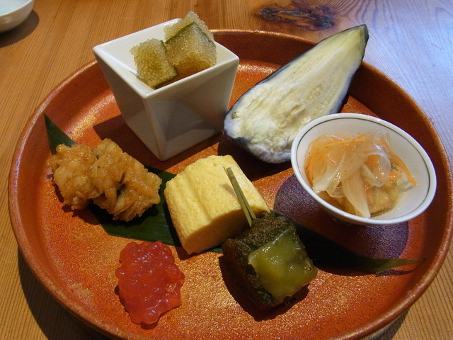 創作和料理 みつわ - かえで(5000円)の前菜。旬の水ナスがうれしい