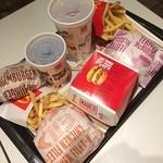 マクドナルド - 今日はマクドでお昼ご飯いただきます☻