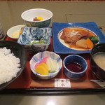 28739363 - 煮魚定食