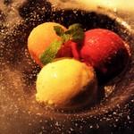 Heart Dinin'Bar &K - 3種のアイスクリーム