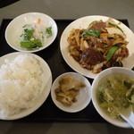 28742569 - 牛肉と烏賊の野菜炒めランチ1,050円