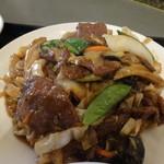 蓬莱・HOURAI - 牛肉と烏賊の野菜炒め