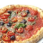 Pizzeria del Re - 【シチリアーナ】トマトソース、アンチョビ、オレガノ、オリーブ